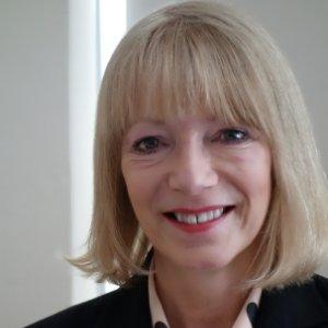 Lesley Halford